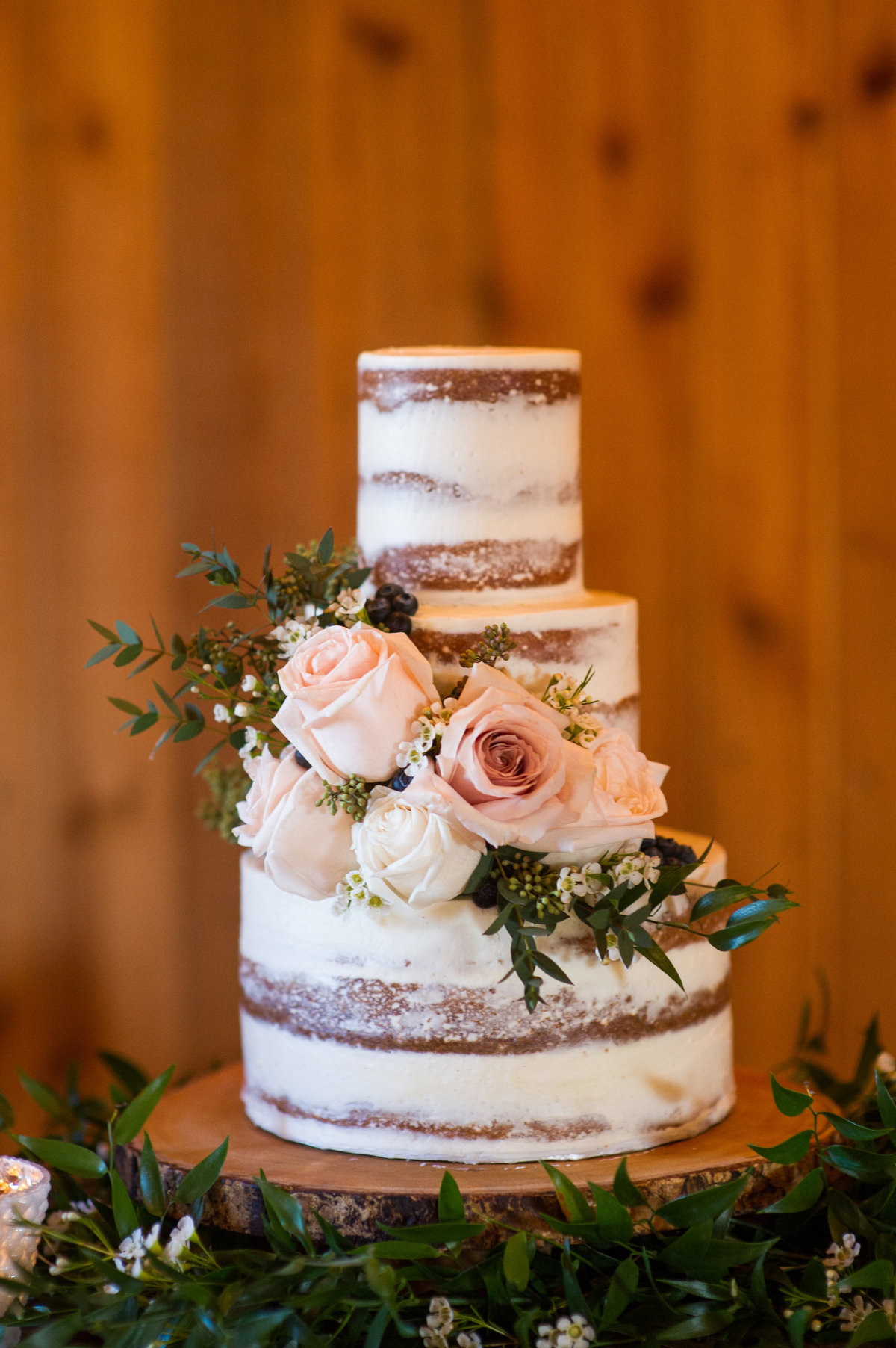Whippt Wedding Cake - Semi-Naked design - credit paulina ochoa photography3