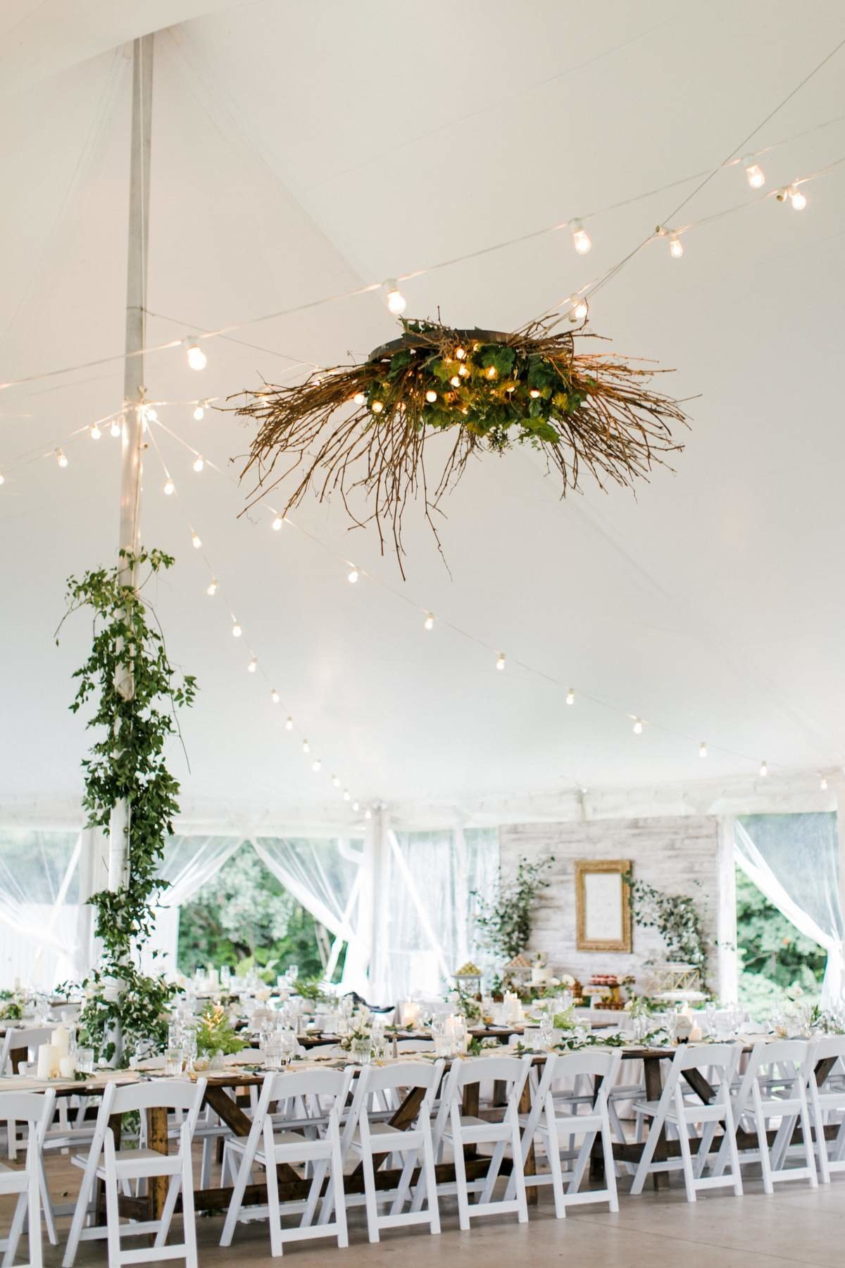white-tent-wedding-at-aurora-cellars-in-lake-leelanau-michigan