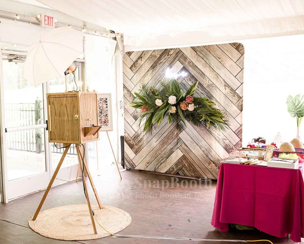 Vintage-Booth-and-Rustic-backdrops