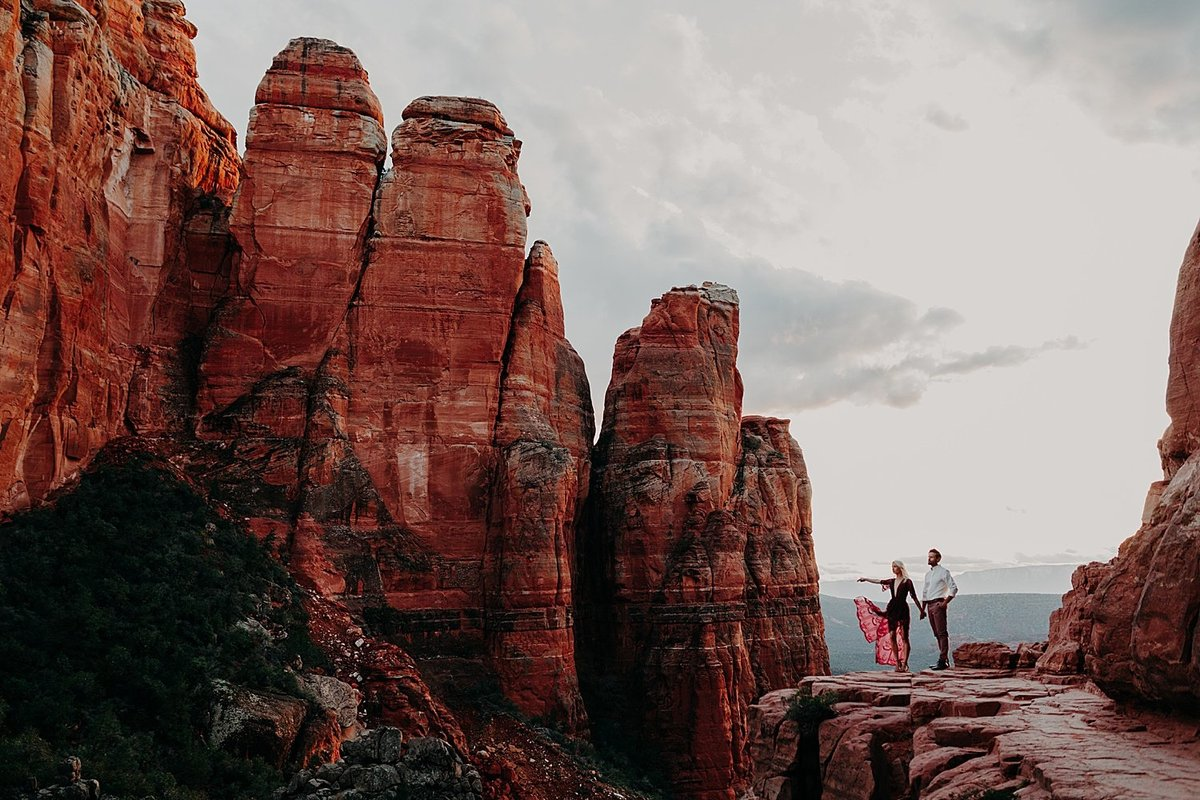 Sedona-Cathedral-Rock-Engagement-Photos_0001