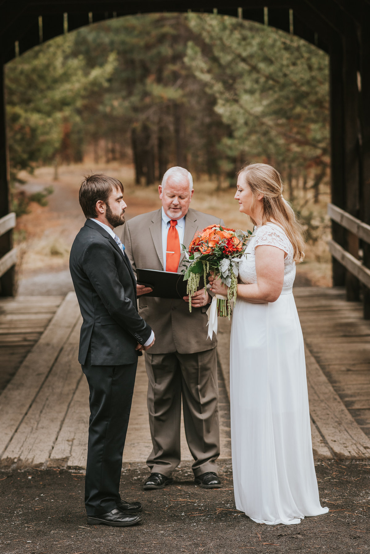 bend-oregon-wedding photographer-elopement-adventure-photograher-meredith-sands-photography -2