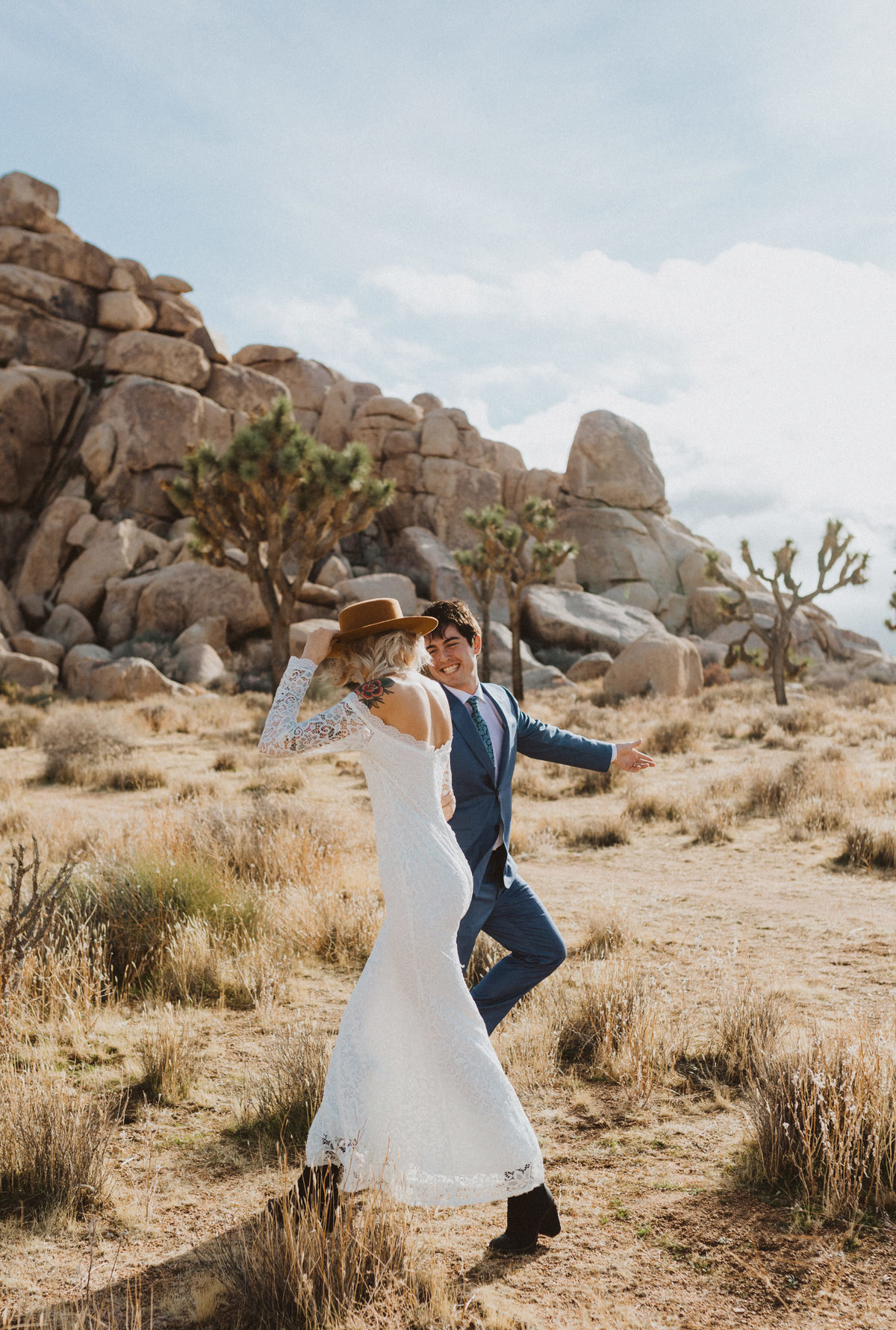 liv_hettinga_photography_joshua_tree_adventure_elopement-10