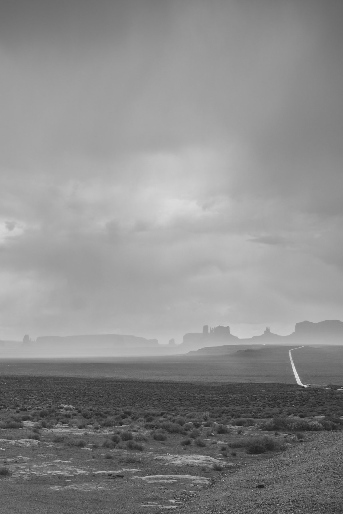 20170601-0001-Southwest_MericaSouthwest_MericaThe_Rainy_Road_to_Monument_Valley
