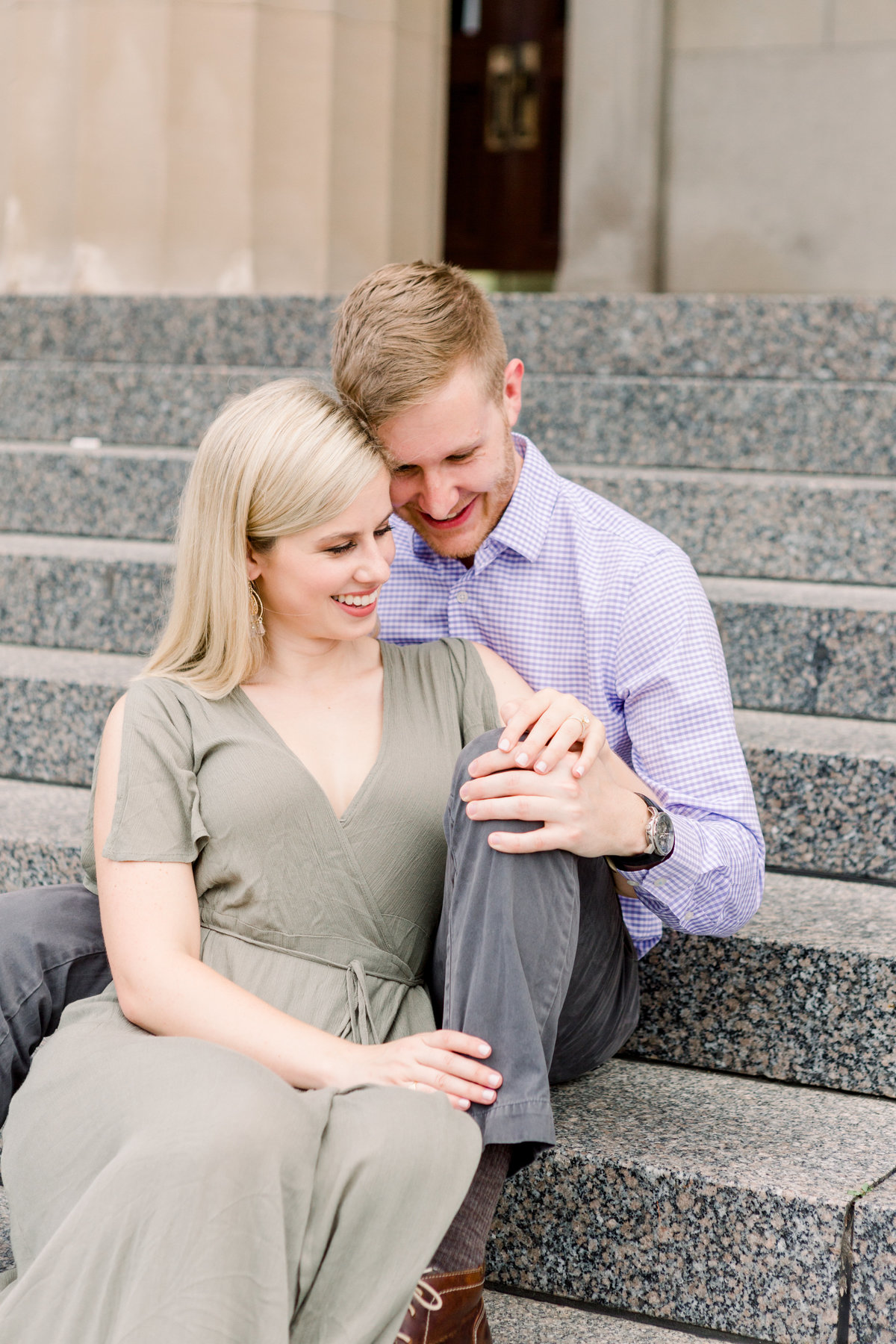Cincinnati-engagement-wedding-photographer-eden-park-art-museum-smale-riverfront012