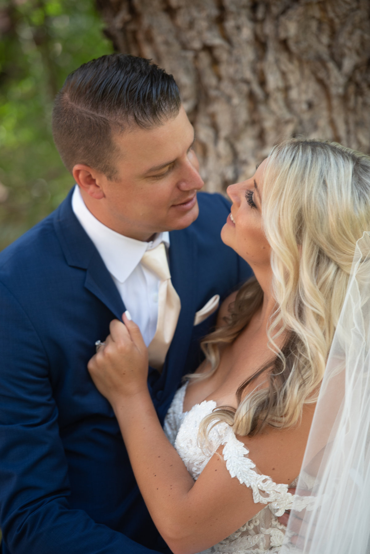 hummingbird-nest-ranch-wedding-photos-36