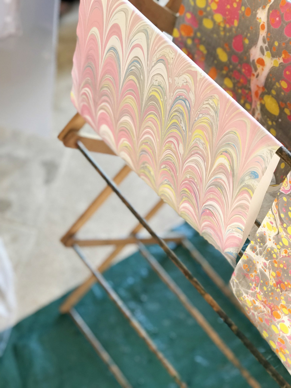 creative retreat tuscany italy paper marbling