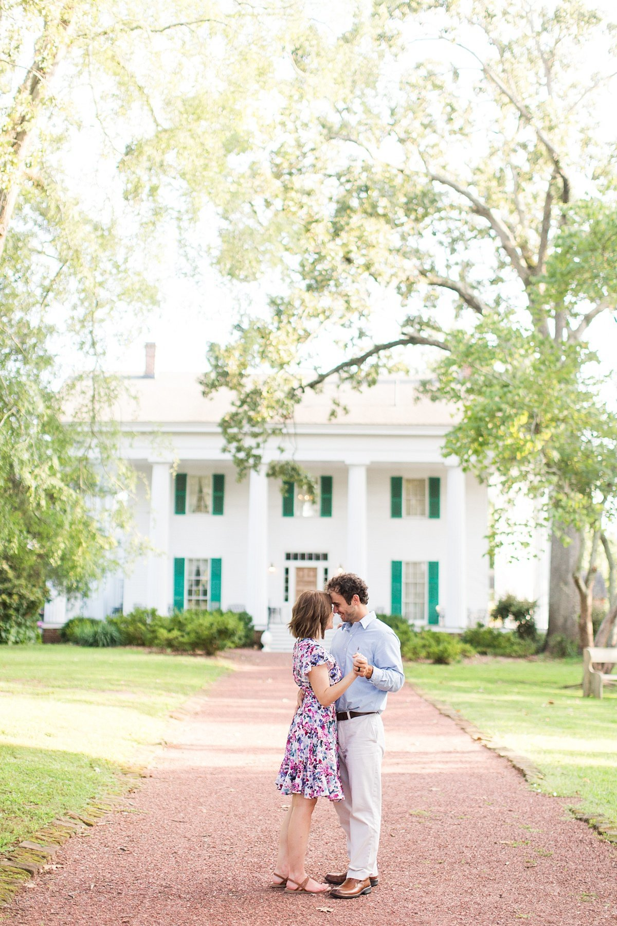 Roswell-Barrington Hall-Engagement-Photos-_0007