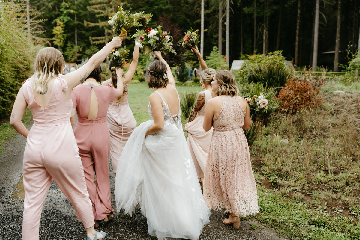 jumpsuit bridal party at Loloma Lodge in Oregon