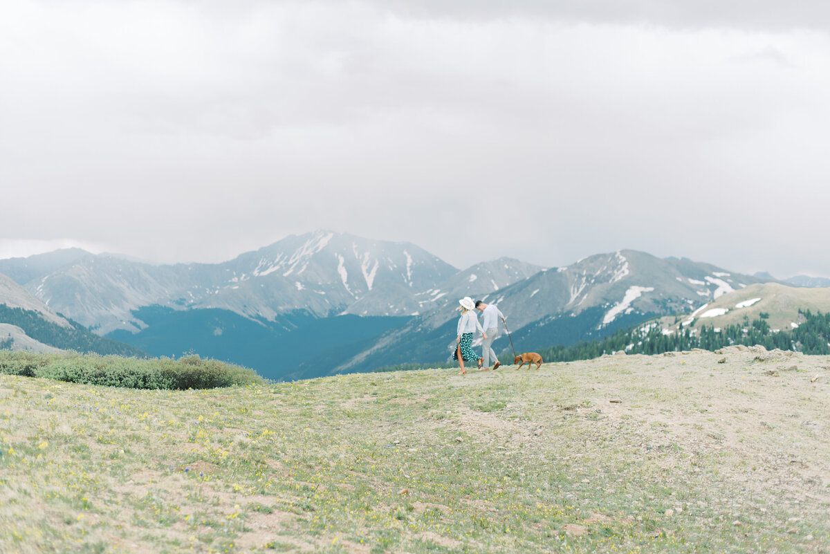 Melissa Brielle Photography Colorado Fine Art Wedding Engagement Photographer Photograph Melissa Minkner Light Airy Luxury High End7