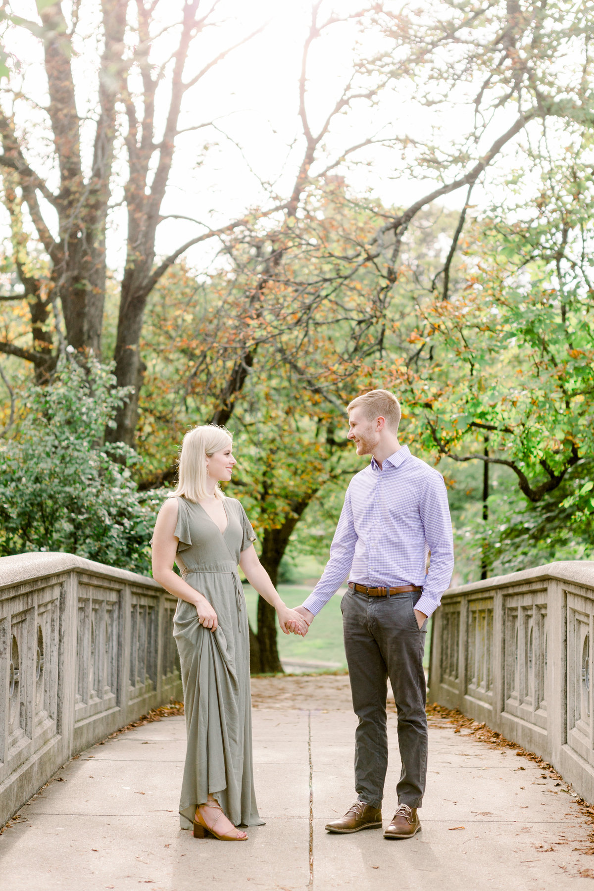 Cincinnati-engagement-wedding-photographer-eden-park-art-museum-smale-riverfront024