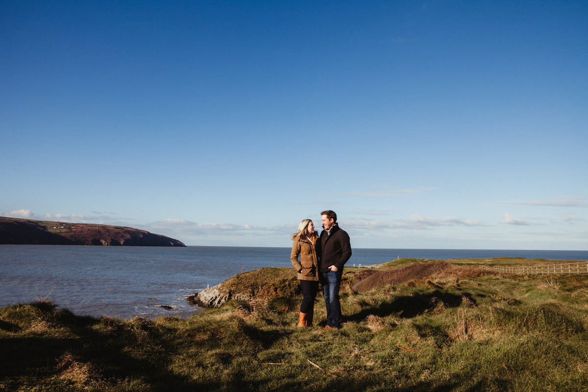 cliff hotel engagement photos
