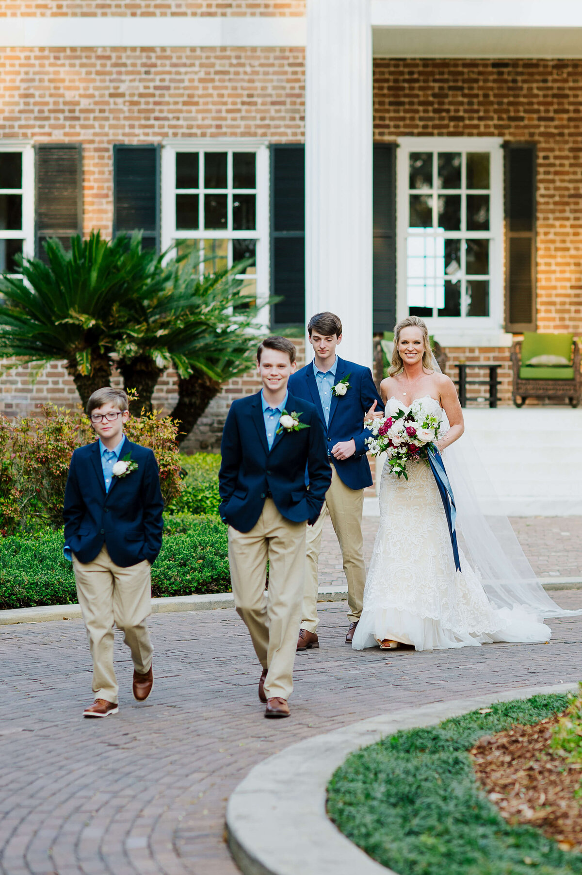 Izzy-and-co-photography-the-ford-plantation-wedding-savannah-wedding-photographer-13