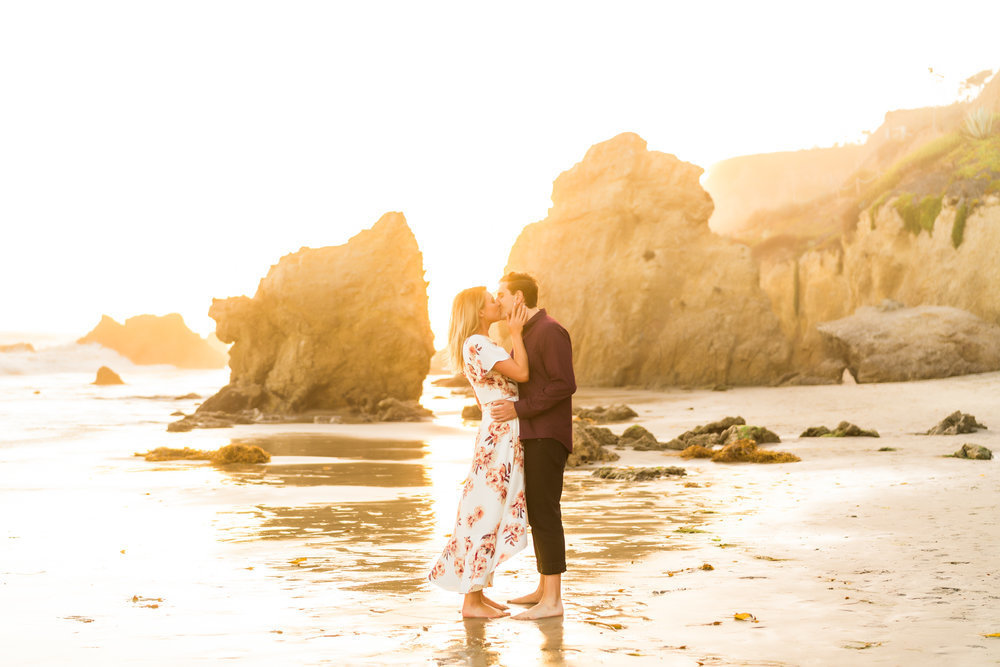 malibu-engagement-sunset-point-dume