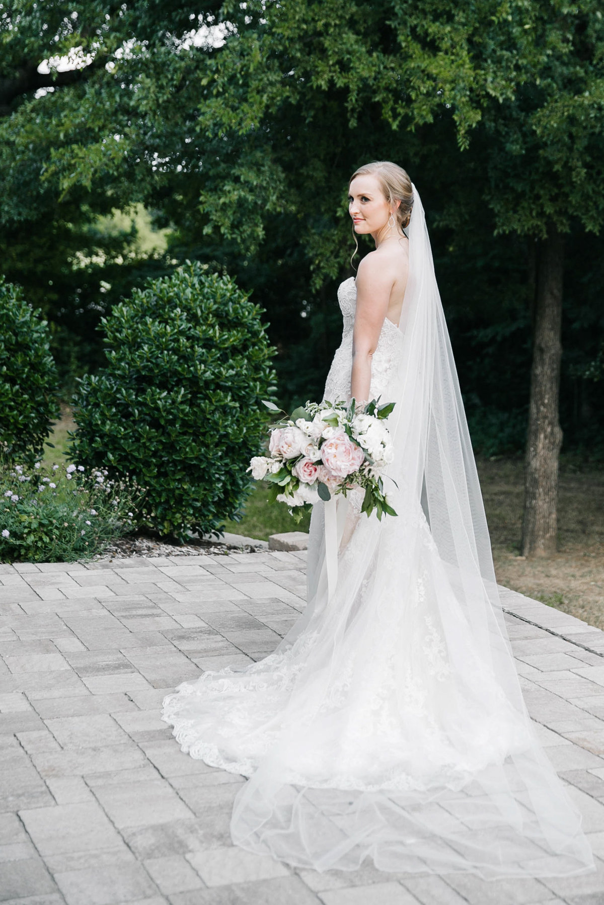 Aristide-Flower-Mound-wedding-by-Dallas-photographer-Julia-Sharapova-545