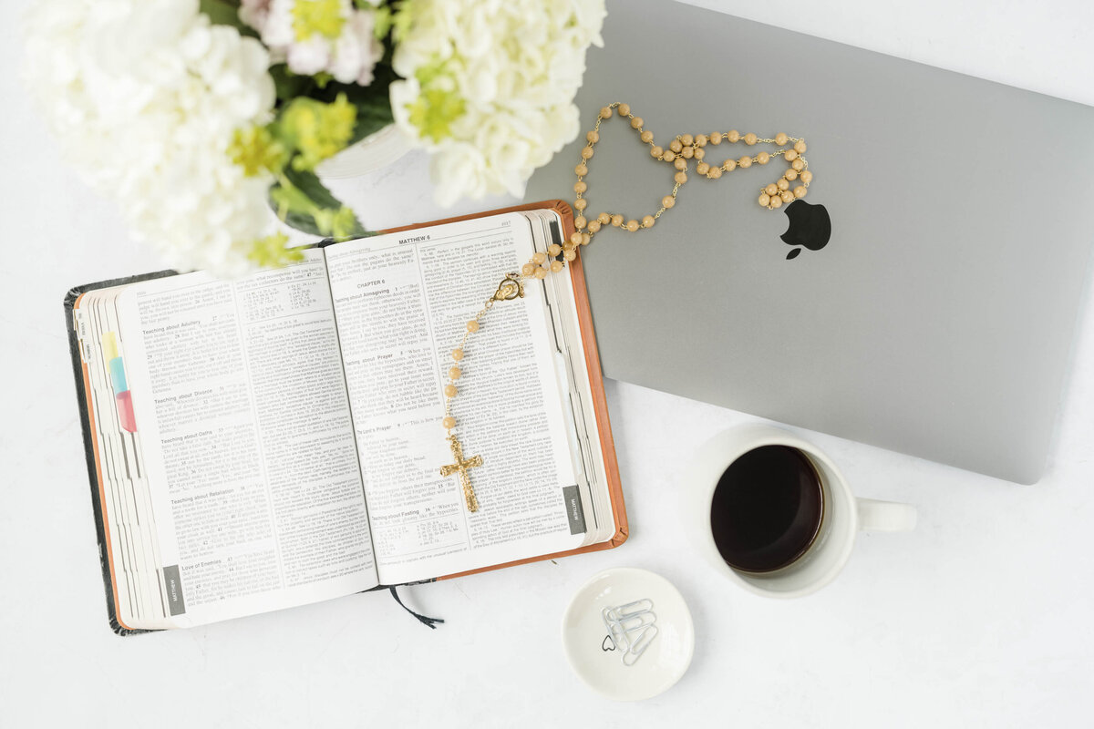 bible-flatlay-detail-photos-amanda-zurface2