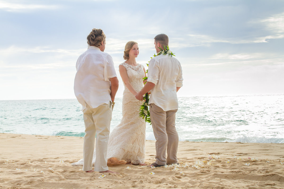 Kauai beach wedding elopement.
