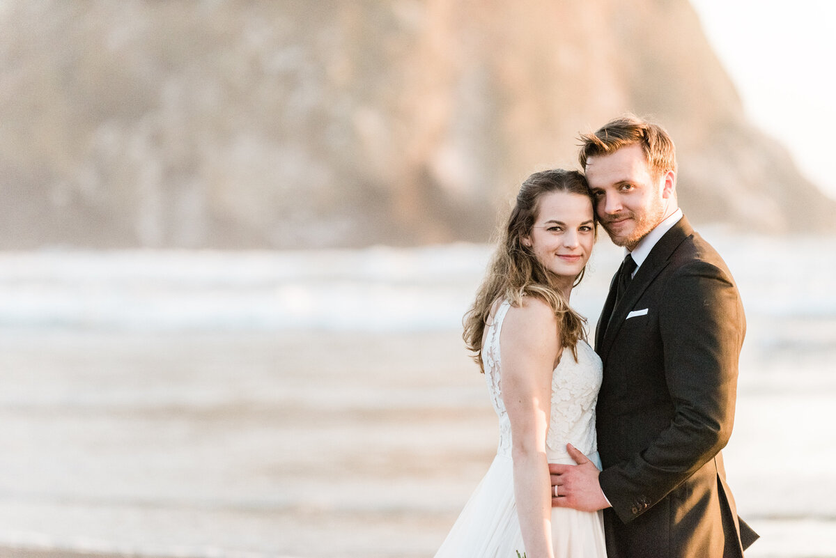 Cannon-Beach-Elopement-Photographer-64