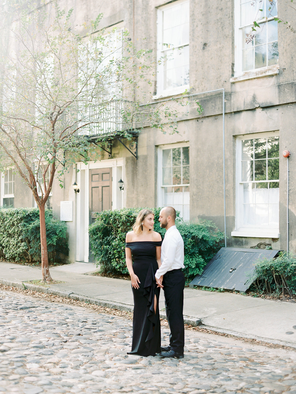 Rainbow-Row-Downtown-Charleston-Engagement-13