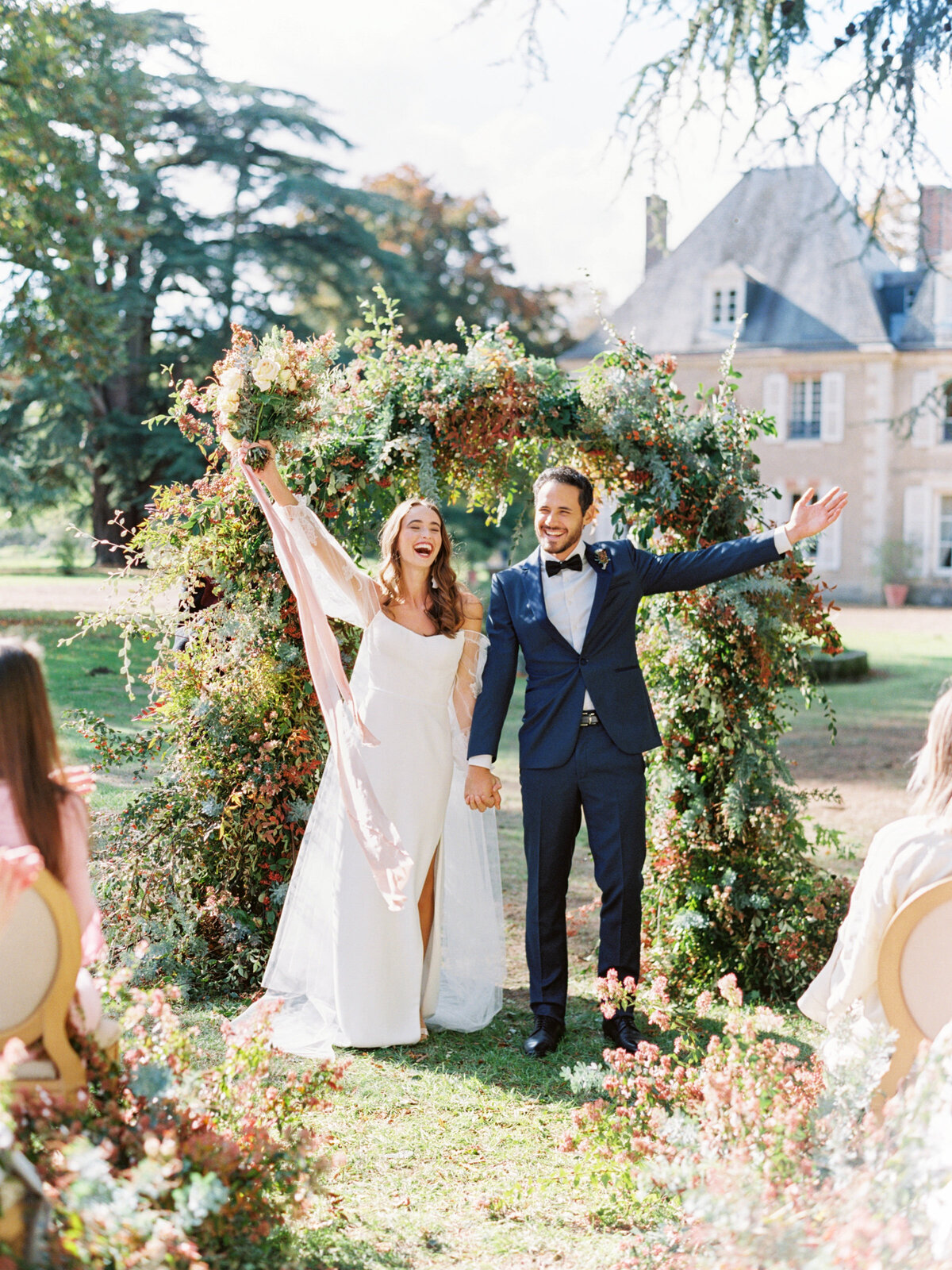 chateau-bouthonvilliers-wedding-paris-wedding-photographer-mackenzie-reiter-photography-1