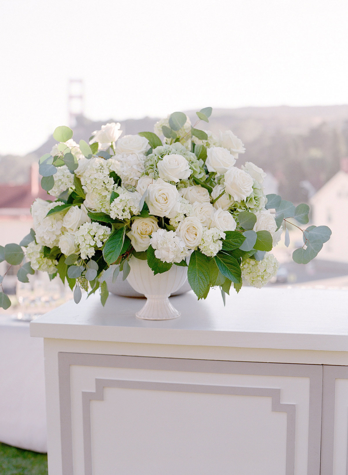 White flowers for Cavallo Point Wedding by Jenny Schneider Events.