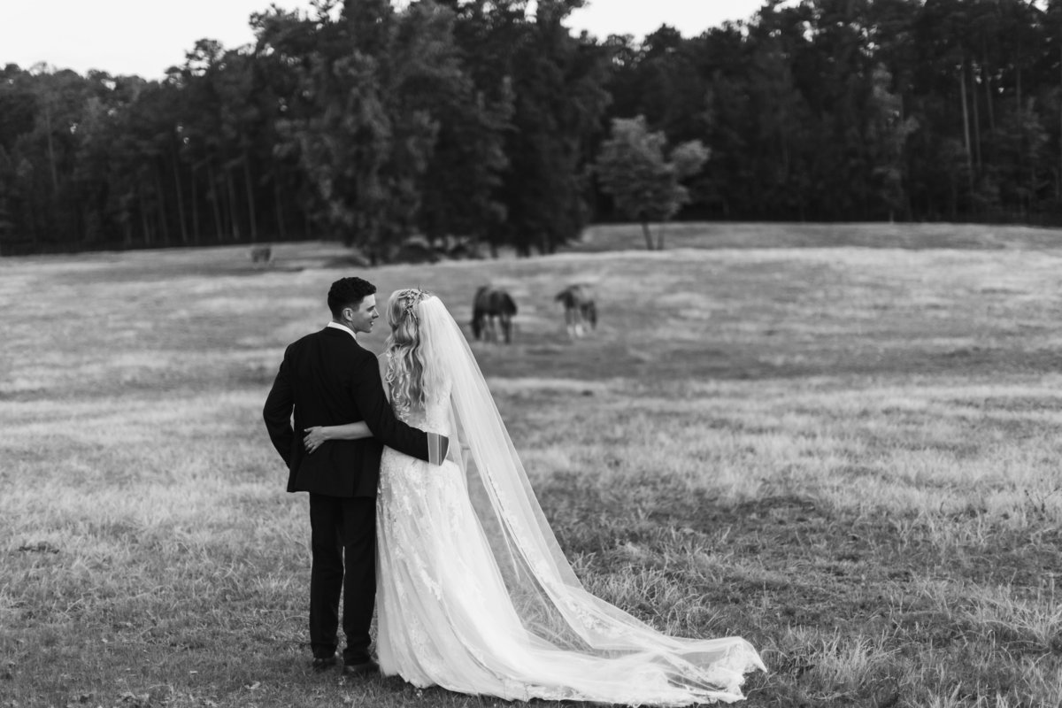 Wedding Photographer at Pine Knoll Farms in Applig GA