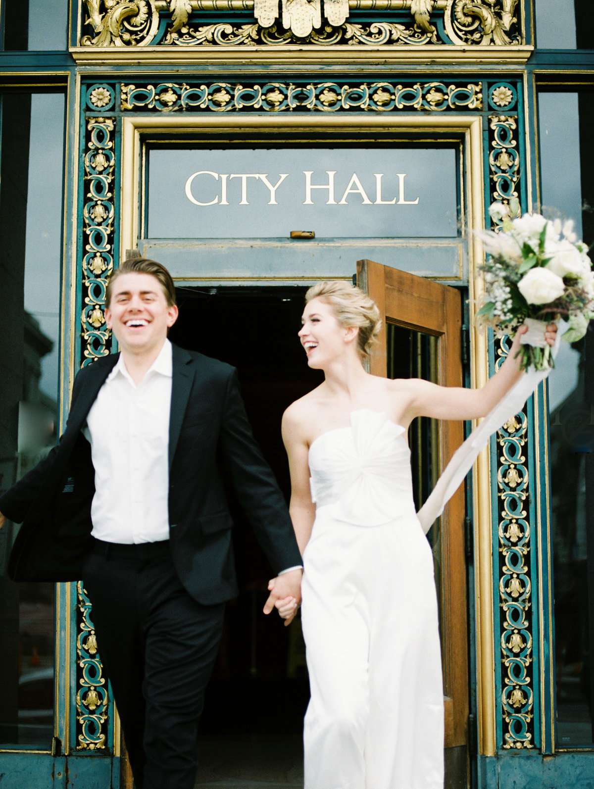 SanFranciscoCityHallWeddingPhotographer_SanFranciscoCityHallWedding_2019-Andrew_and_Ada_Photography-587