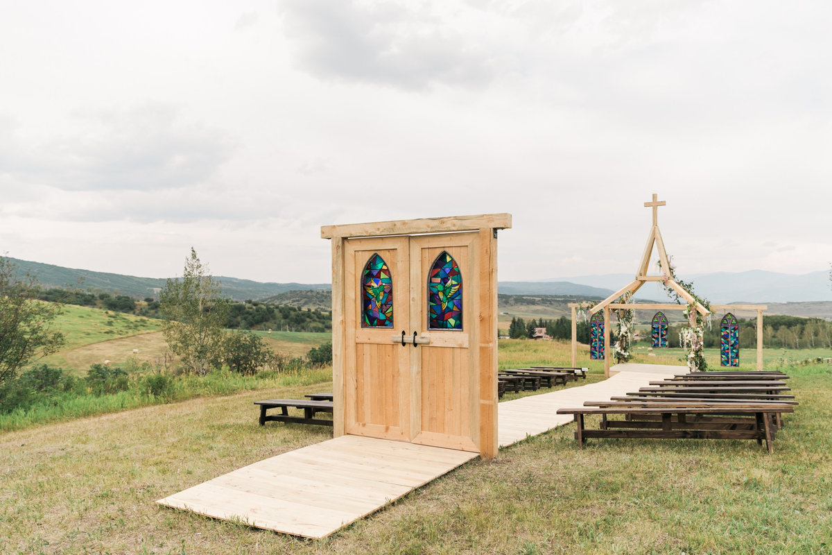Kari_Ryan_Anderson_Colorado_Outdoor_Chapel_Wedding_Valorie_Darling_Photography - 37 of 126