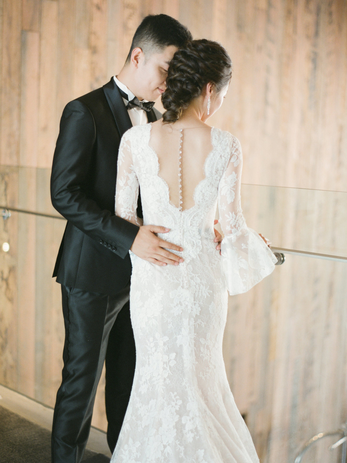 luxurious waterfront sydney pier one wedding jack stephanie0046
