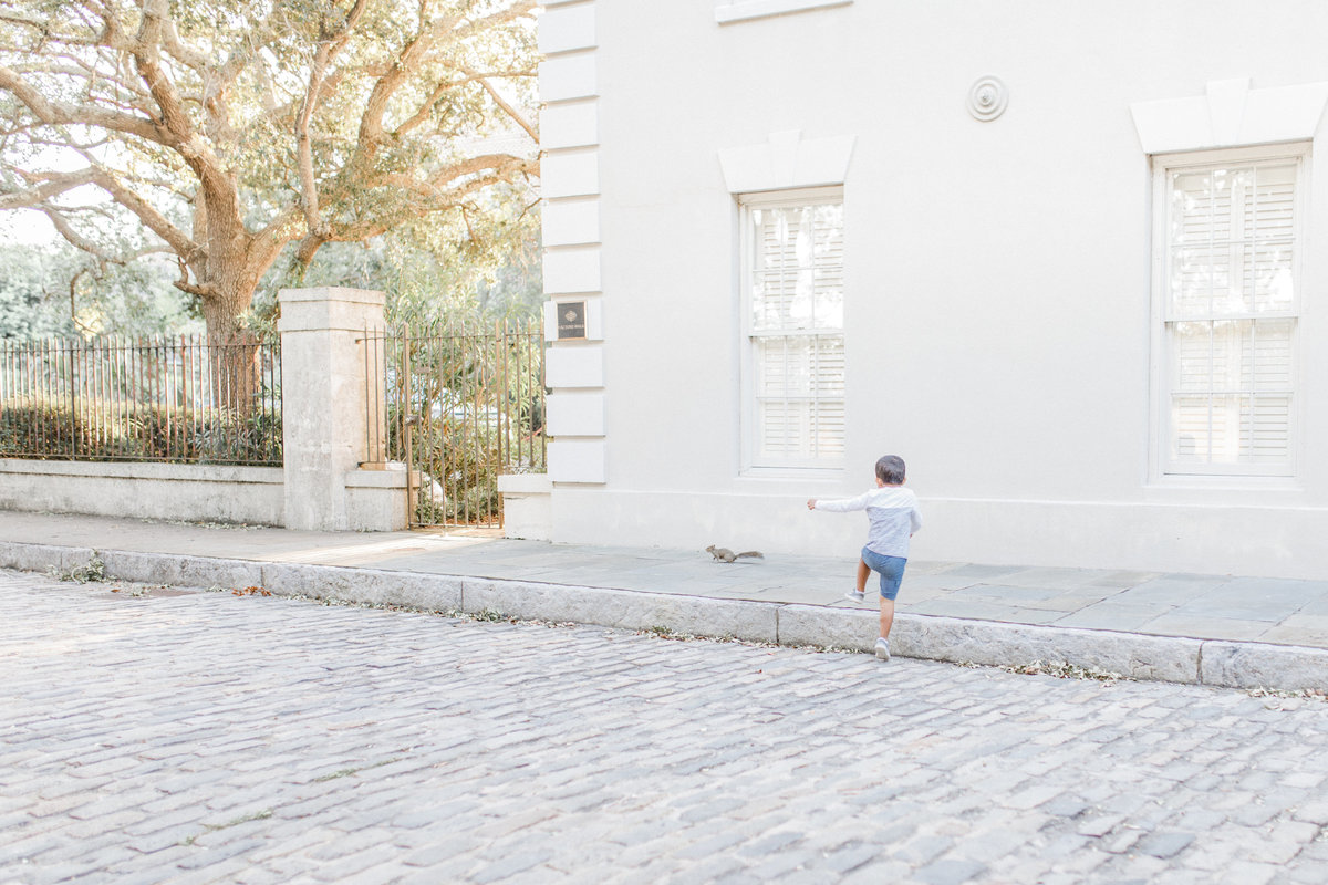 Downtown-Charleston-Family-Photos-Laura-Ryan-Photography-25