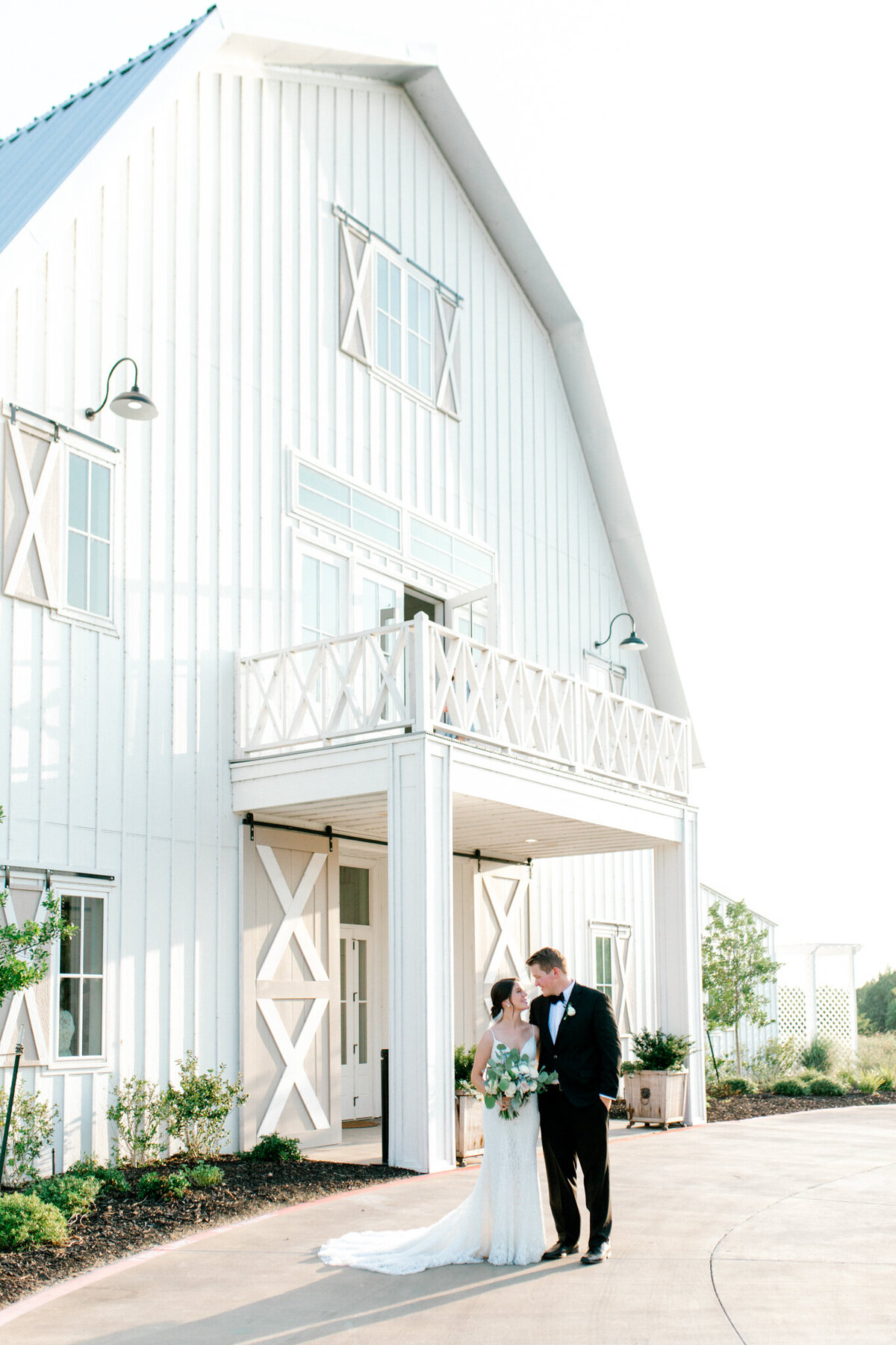 Anna & Billy's Wedding at The Nest at Ruth Farms | Dallas Wedding Photographer | Sami Kathryn Photography-177