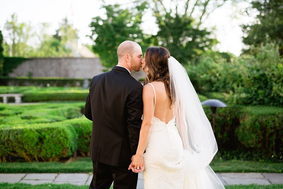 Shuster-Wedding-Grosse-Pointe-War-Memorial-Breanne-Rochelle-Photography111