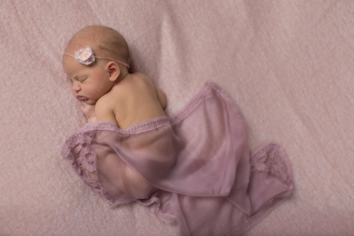 Inspiration for Newborn girl photos