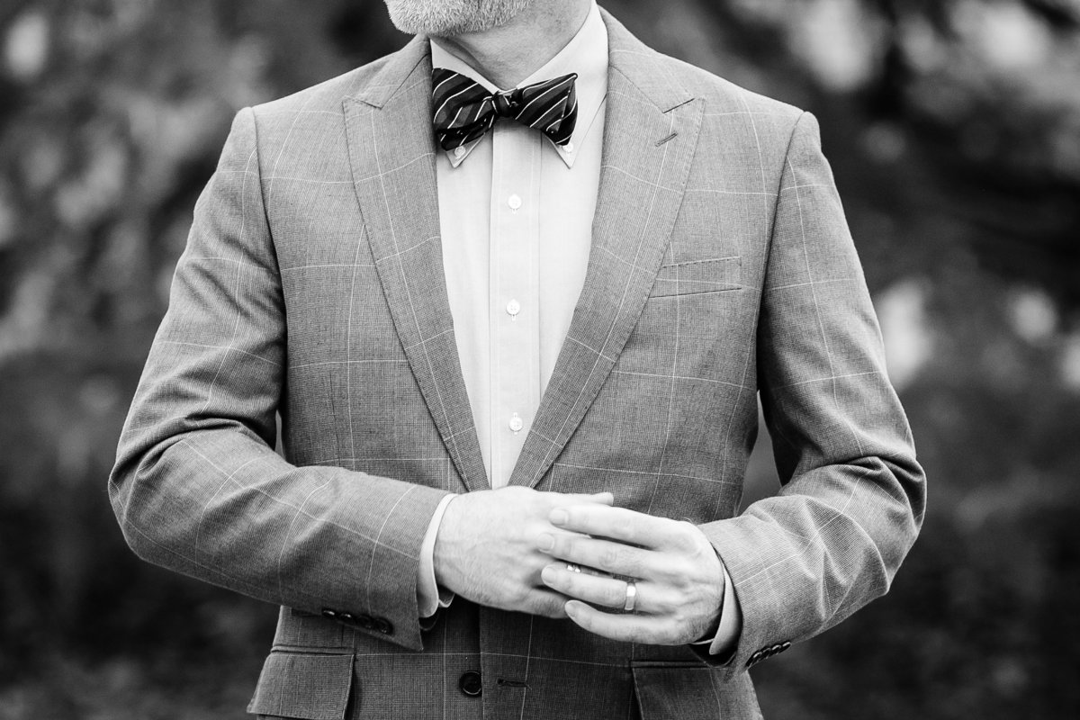 groom-bowtie-black-white