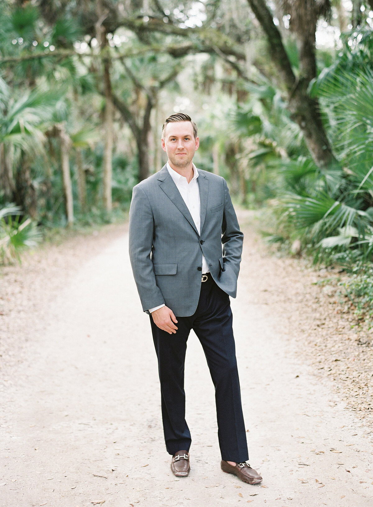 Napl-Florida-Engagement-film-photogrpaher-koreshan-state-park-3