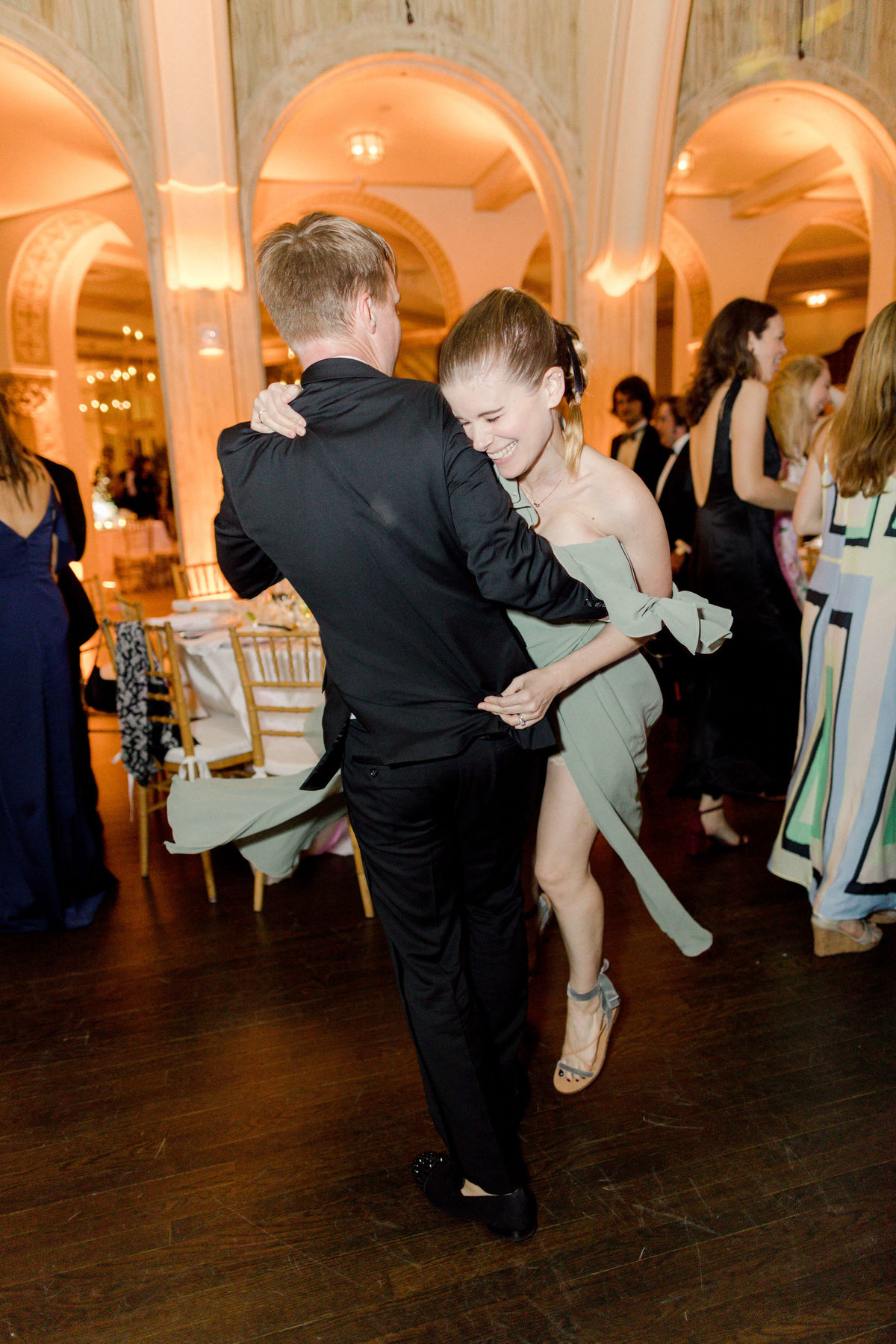 60-KTMerry-weddings-celebrity-kate-mara-dancing