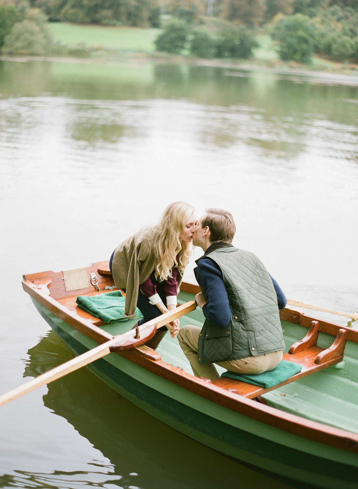 15-KTMerry-weddings-Ireland-kissing-boat