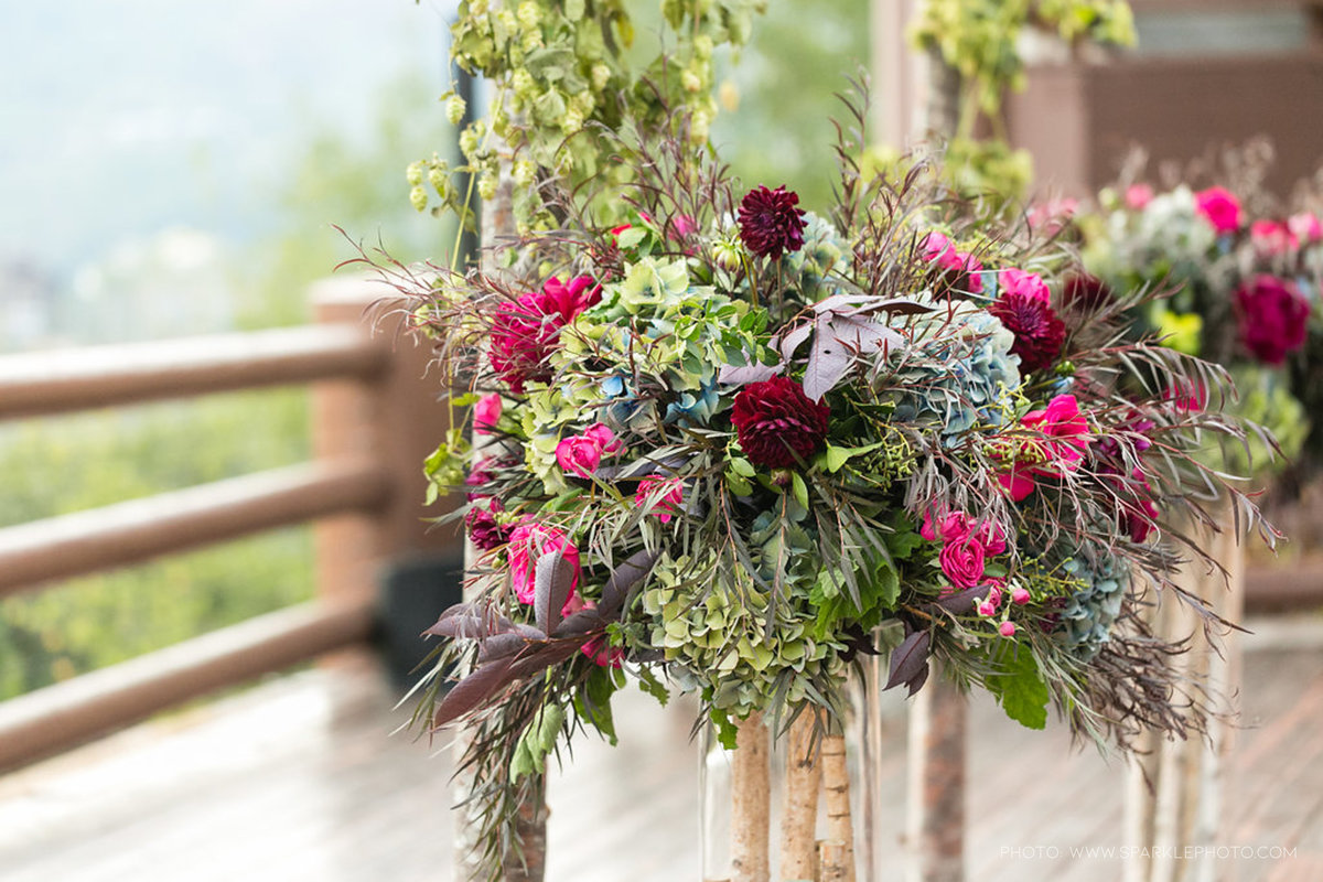 Utah Florist_Summer Weddings in Park City_Colorful Wedding_Luxe Mountain Weddings_Stein Eriksen Lodge Weddings_Artisan Bloom--77