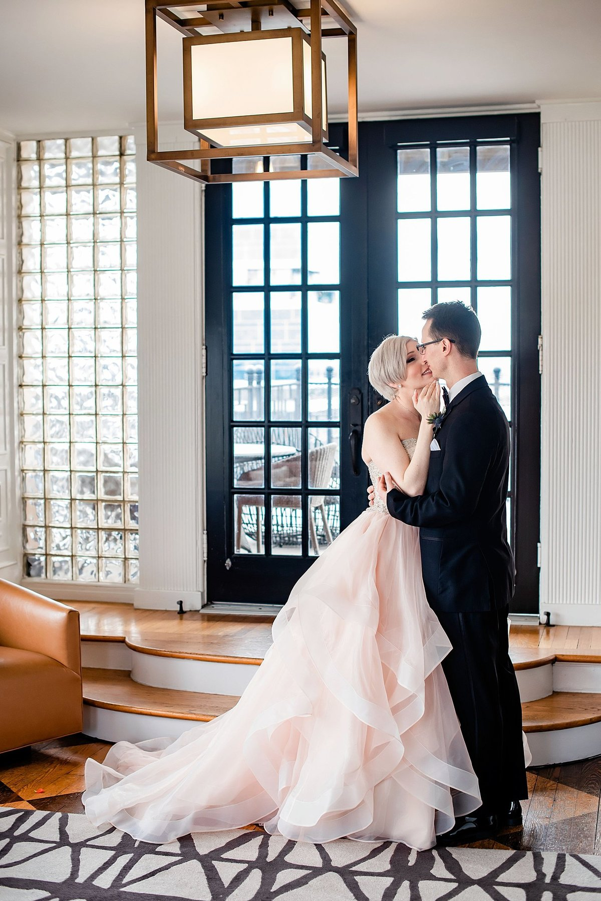 Dallas-Le-Meridien-Stoneleigh-wedding-in-downtown-by-Julia-Sharapova-Photography_0047