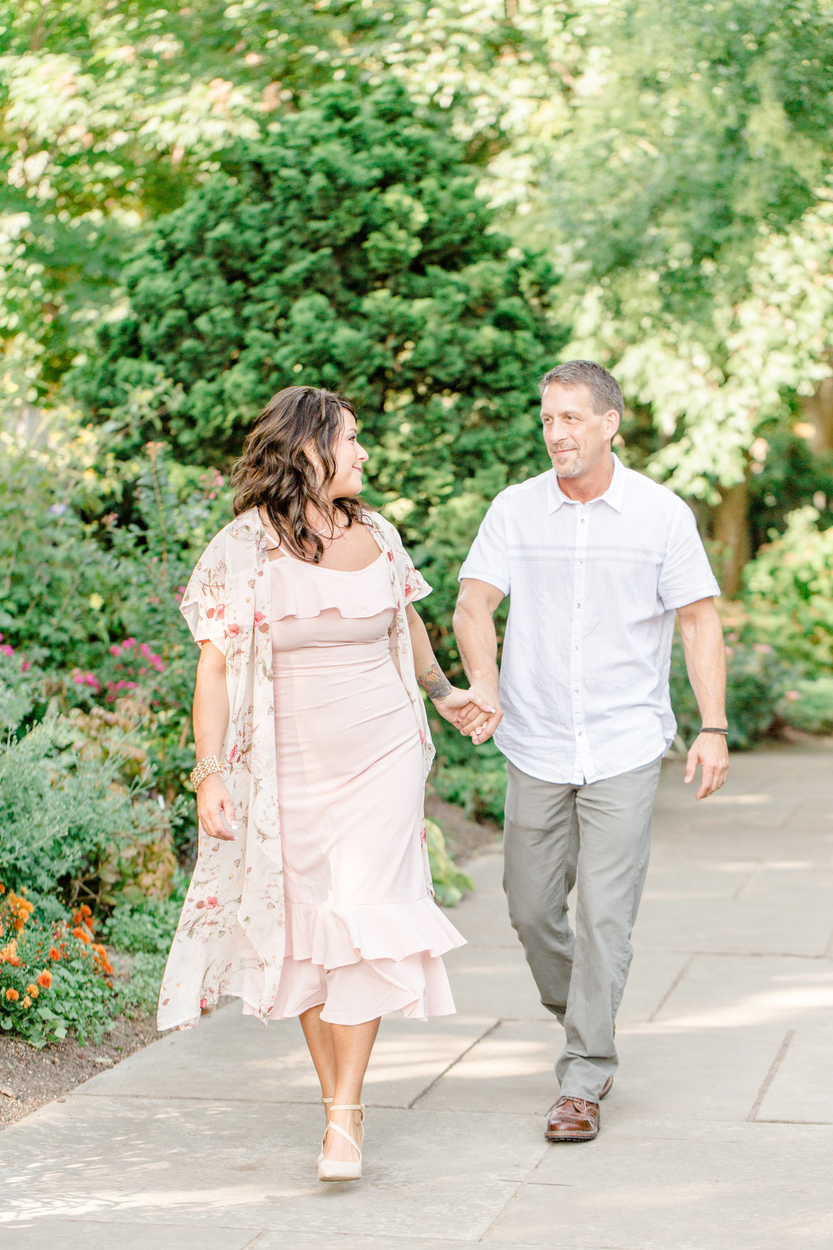 Cleveland-engagement-wedding-photographer-botanical-garden-museum-of-art003