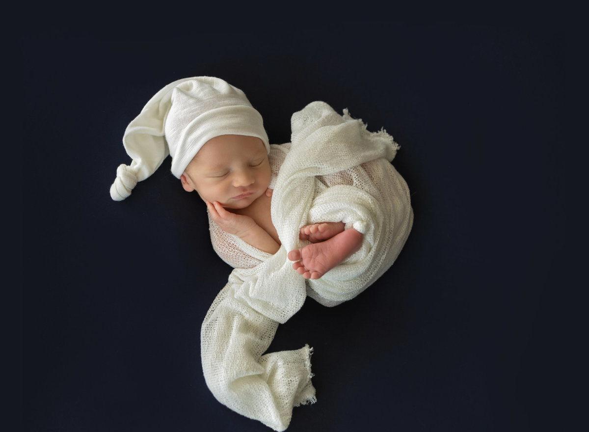 Newborn Photographer in Sulphur