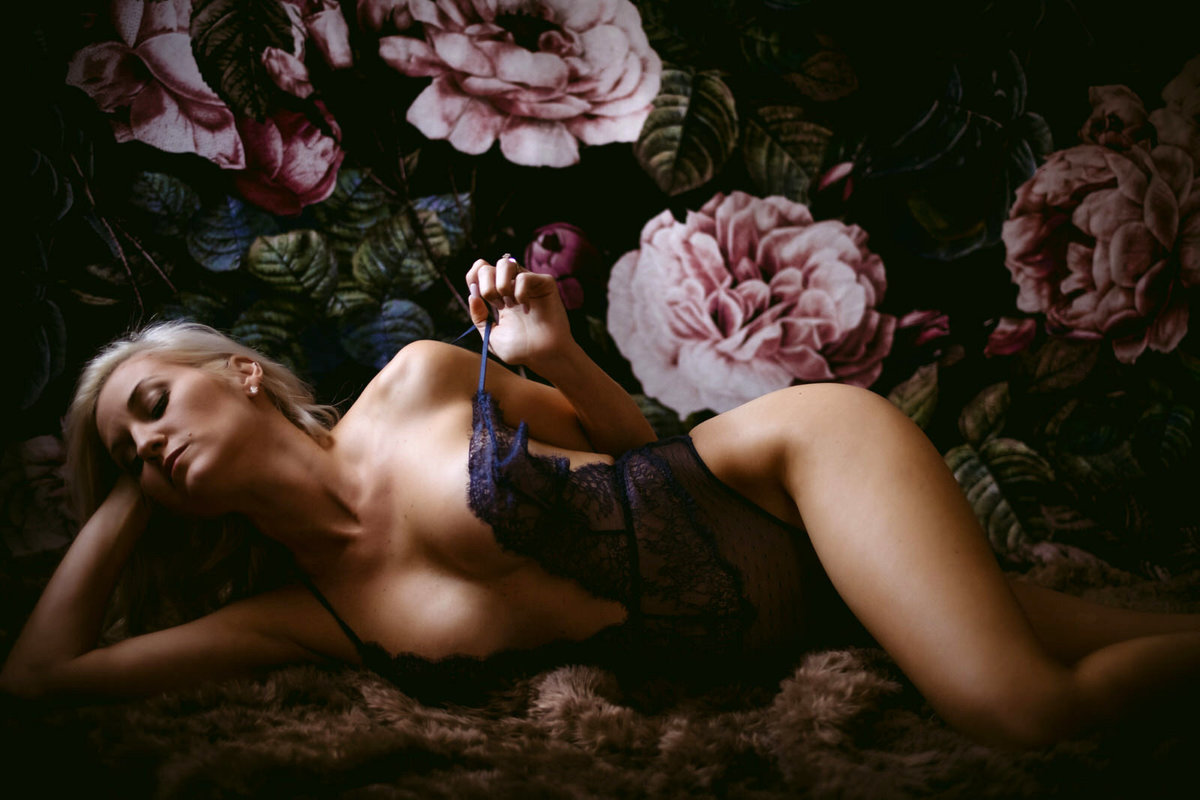 boudoir photographer savannah velvet light boudoir photographyA_B_-77