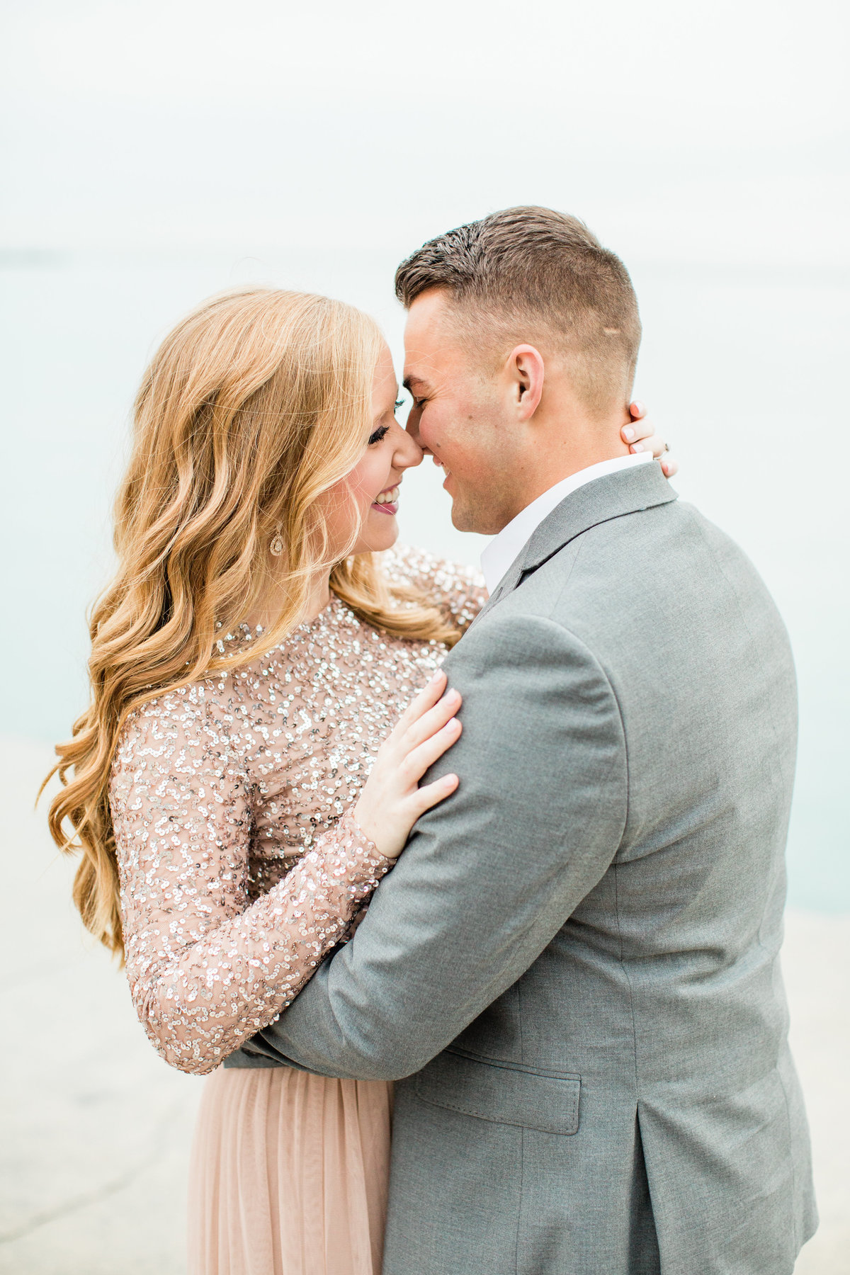 lindsey-taylor-photography-north-avenue-beach-chicago-engagement-photographer1