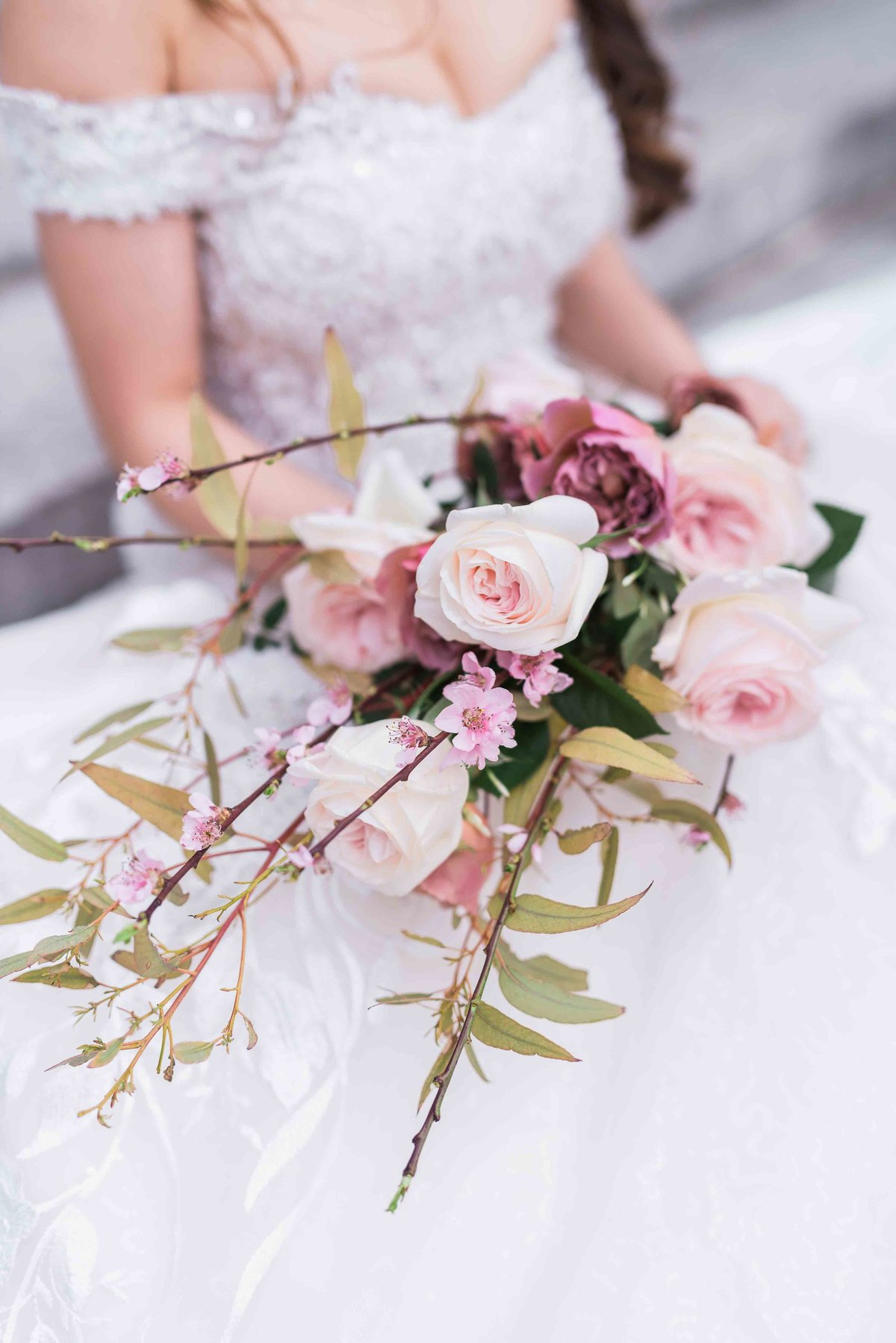 laure_lalliard_design_ClaireMorrisPhoto_bridal_bouquet_paris