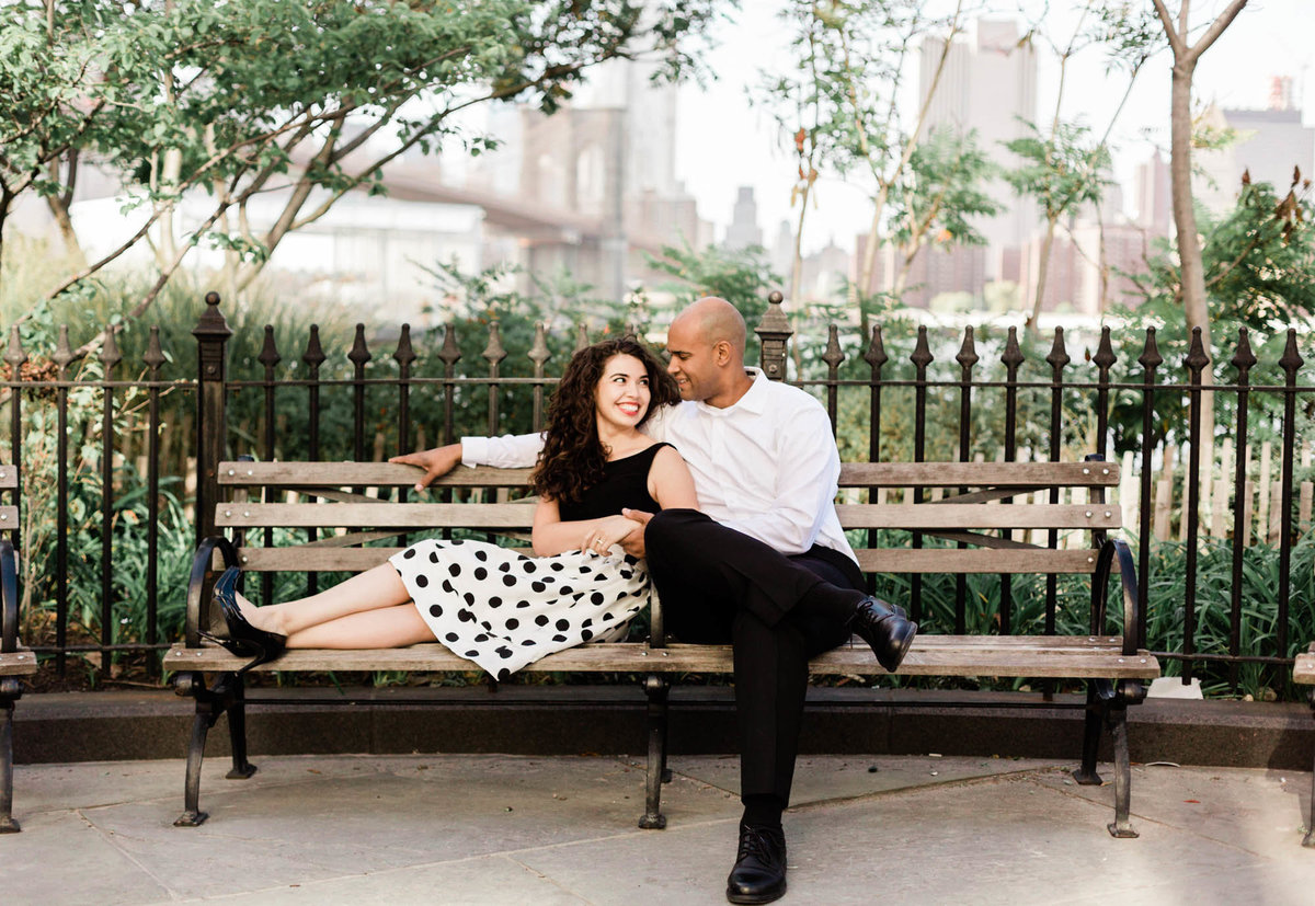 dumbo brooklyn heights engagement photos