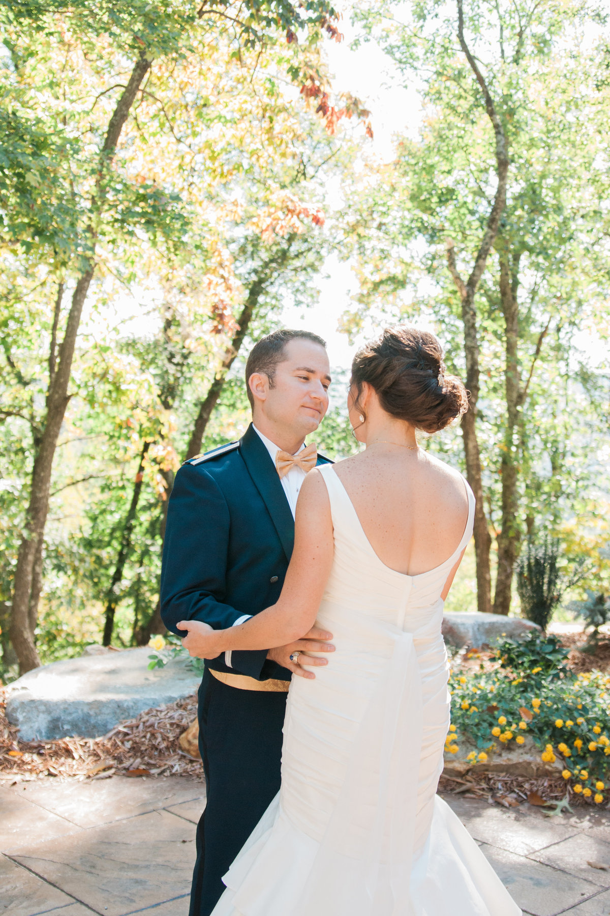 Rustic outdoor wedding photographed at Leatherwood Mountain by Boone Photographer Wayfaring Wanderer. Leatherwood is a gorgeous venue in Ferguson, NC.