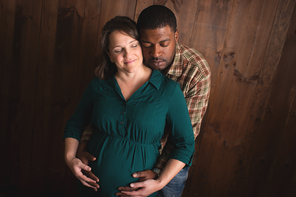 Studio Maternity Photography Session | CT Maternity Photography | CT Maternity Photographer Elizabeth Frederick Photography