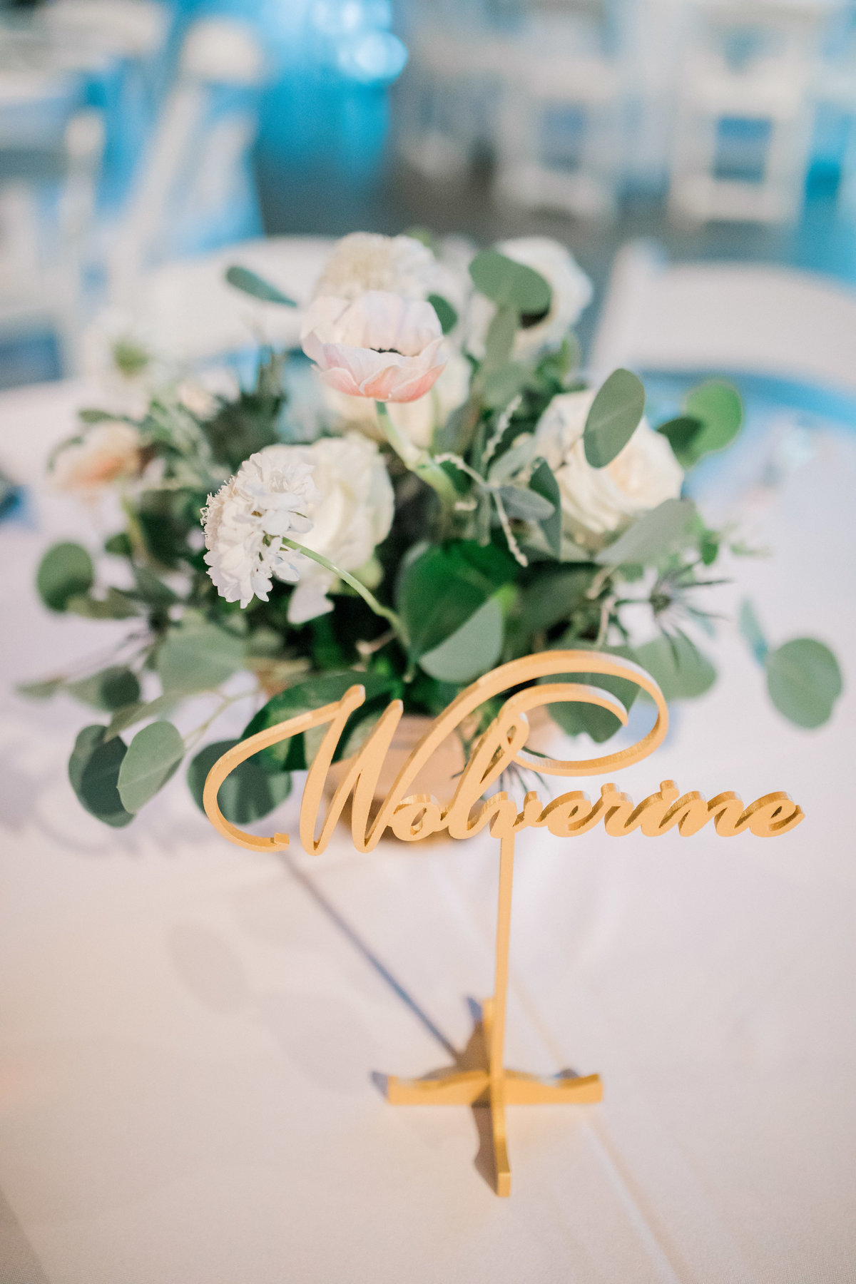 omaha wedding planner and florist downtown Slowdown wedding blue and white by Lindsay Elizabeth Events37