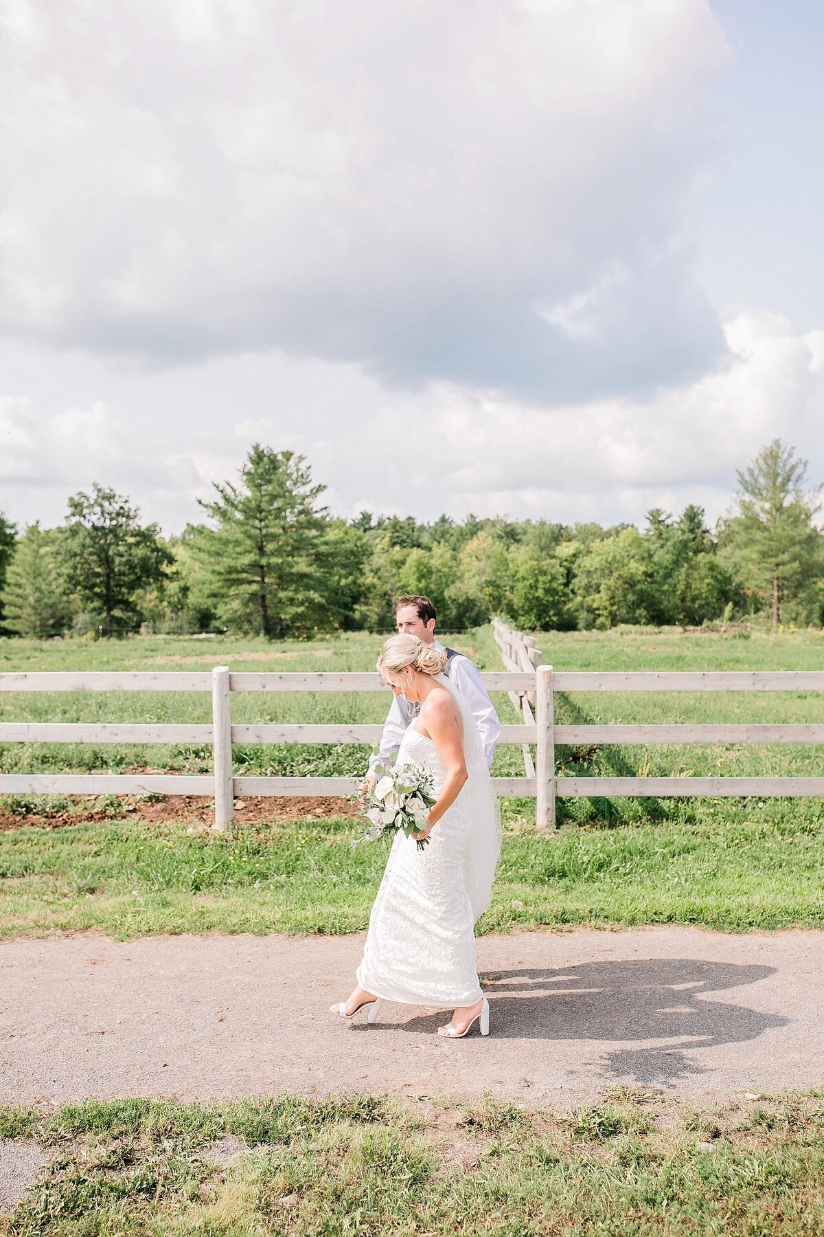 Ottawa-Country-Wedding-LauraClarkePhotos_0019