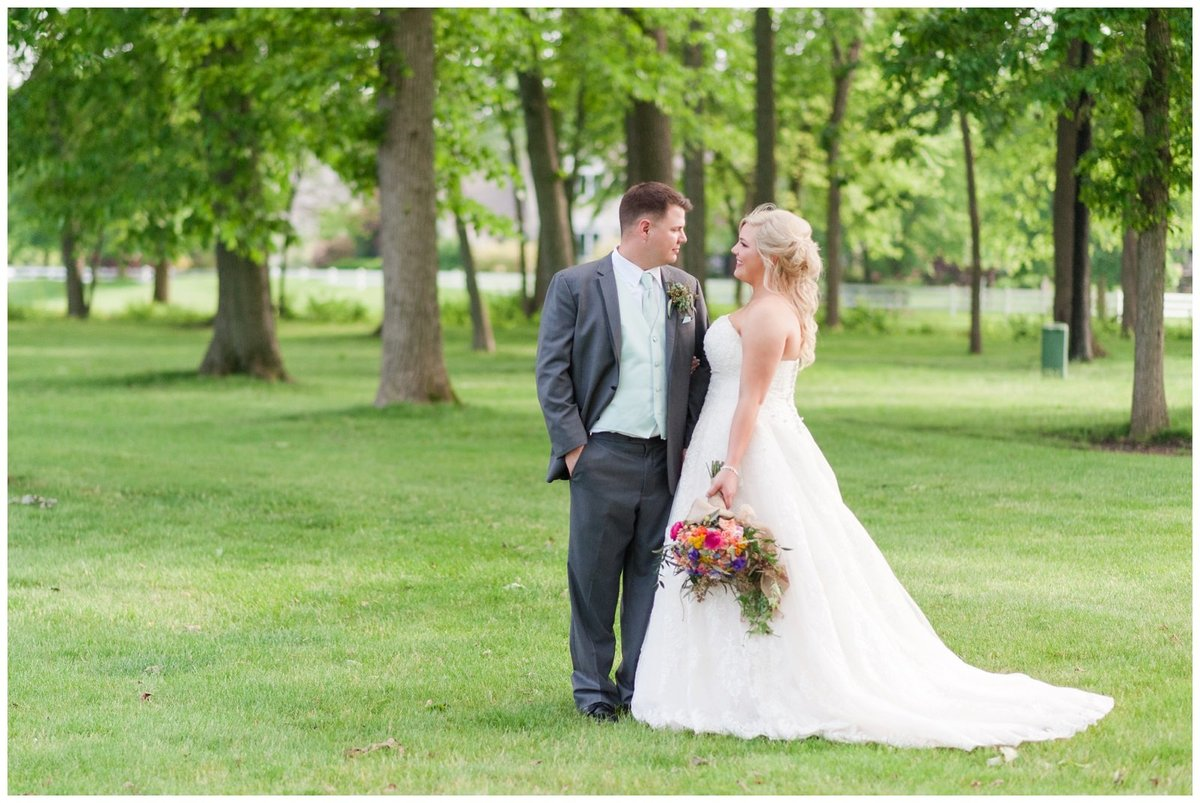 Heritage golf and country club wedding hilliard ohio wedding photos_0048