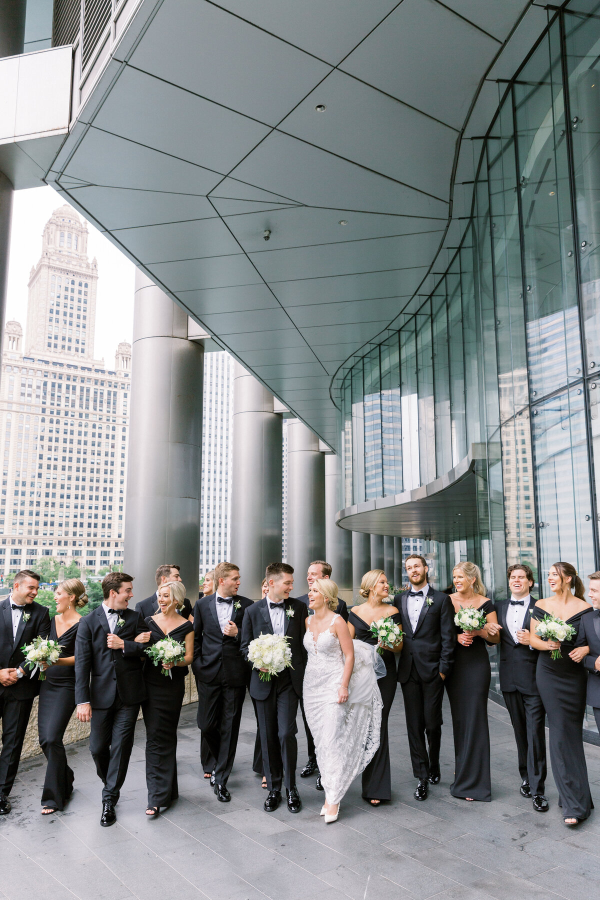 Downtown Chicago Wedding Photographer_Shauna and Jordon Photography014